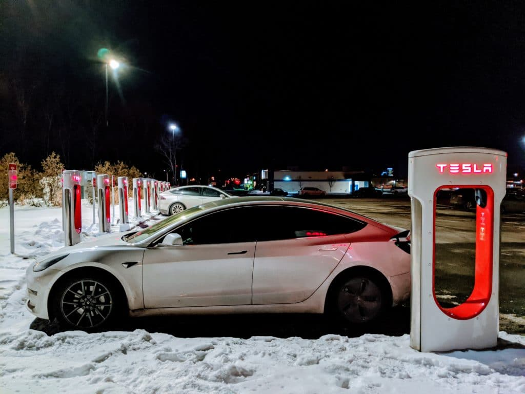 Tesla Supercharger in Levis, QC