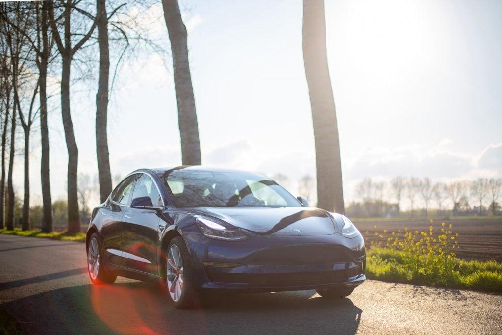 La actualización del Tesla Model 3 se pone en marcha con más autonomía, nuevas ruedas, maletero motorizado y más