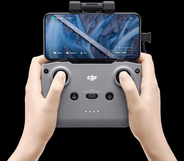 Le nouveau contrôleur DJI qui est partagé entre le Mavic Air 2 et le drone Mini 2